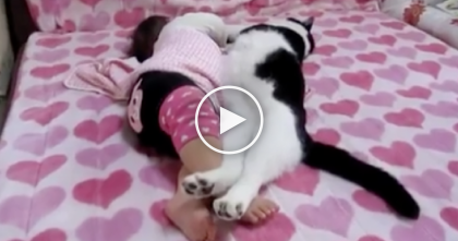She Walked Into The Room To See Her Baby, But What She Saw?? Just TOO Adorable For Words!!